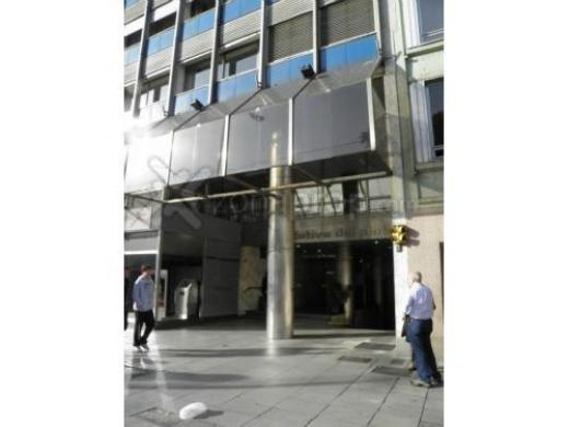 Alquiler de Oficina Más de 100 mts. en Centro / Microcentro