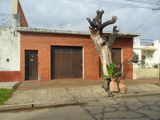 Venta de Casa 5 o mas ambientes en Tres De Febrero Martín Coronado