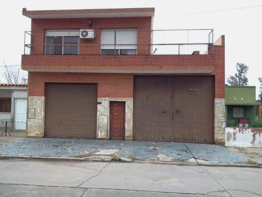 Venta de Casa 5 o mas ambientes en Quilmes Bernal