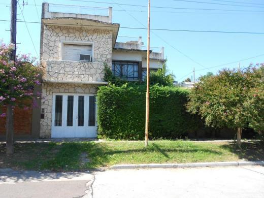 Venta de Casa 4 ambientes en La Matanza Villa Luzuriaga