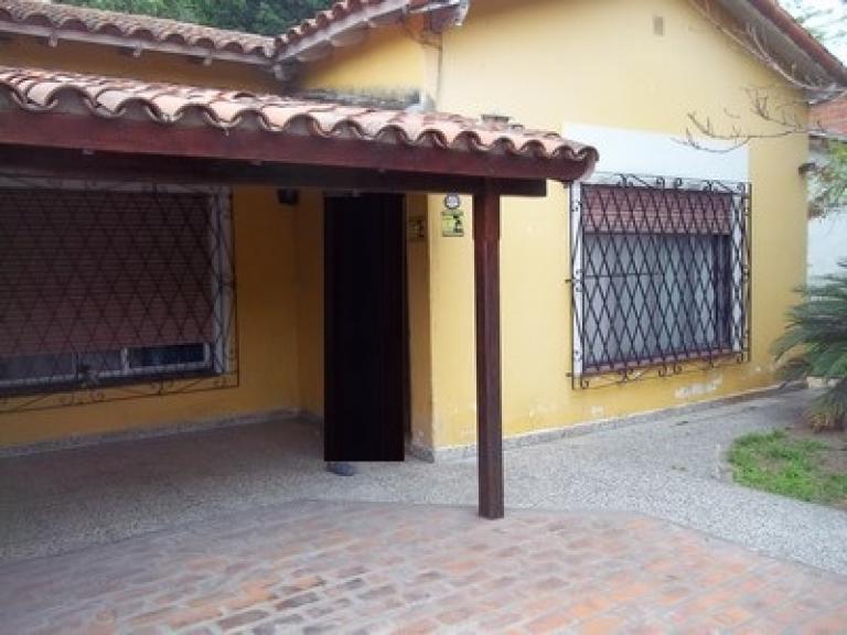 Venta de Chalet 4 ambientes en Ituzaingó Parque Leloir