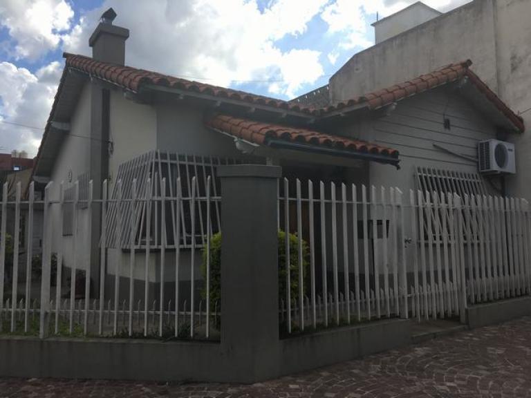 Venta de Casa 3 ambientes en Tres De Febrero Martín Coronado