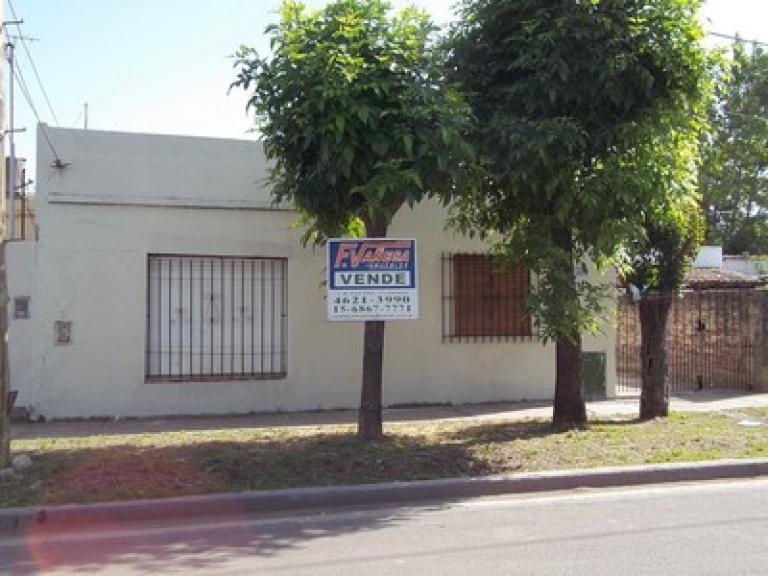Venta de Casa 4 ambientes en Morón Castelar