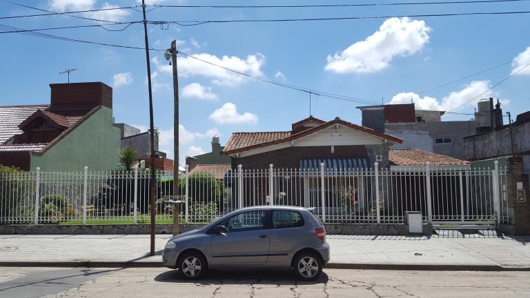 Venta de Casa 5 o mas ambientes en Tres De Febrero Loma Hermosa