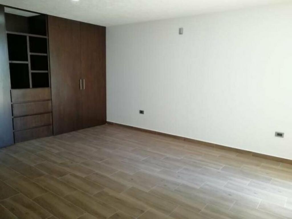 Tu Casa Inmobiliaria , Venta de Casa en Fraccionamiento Lomas de Angelópolis   San Andrés Cholula