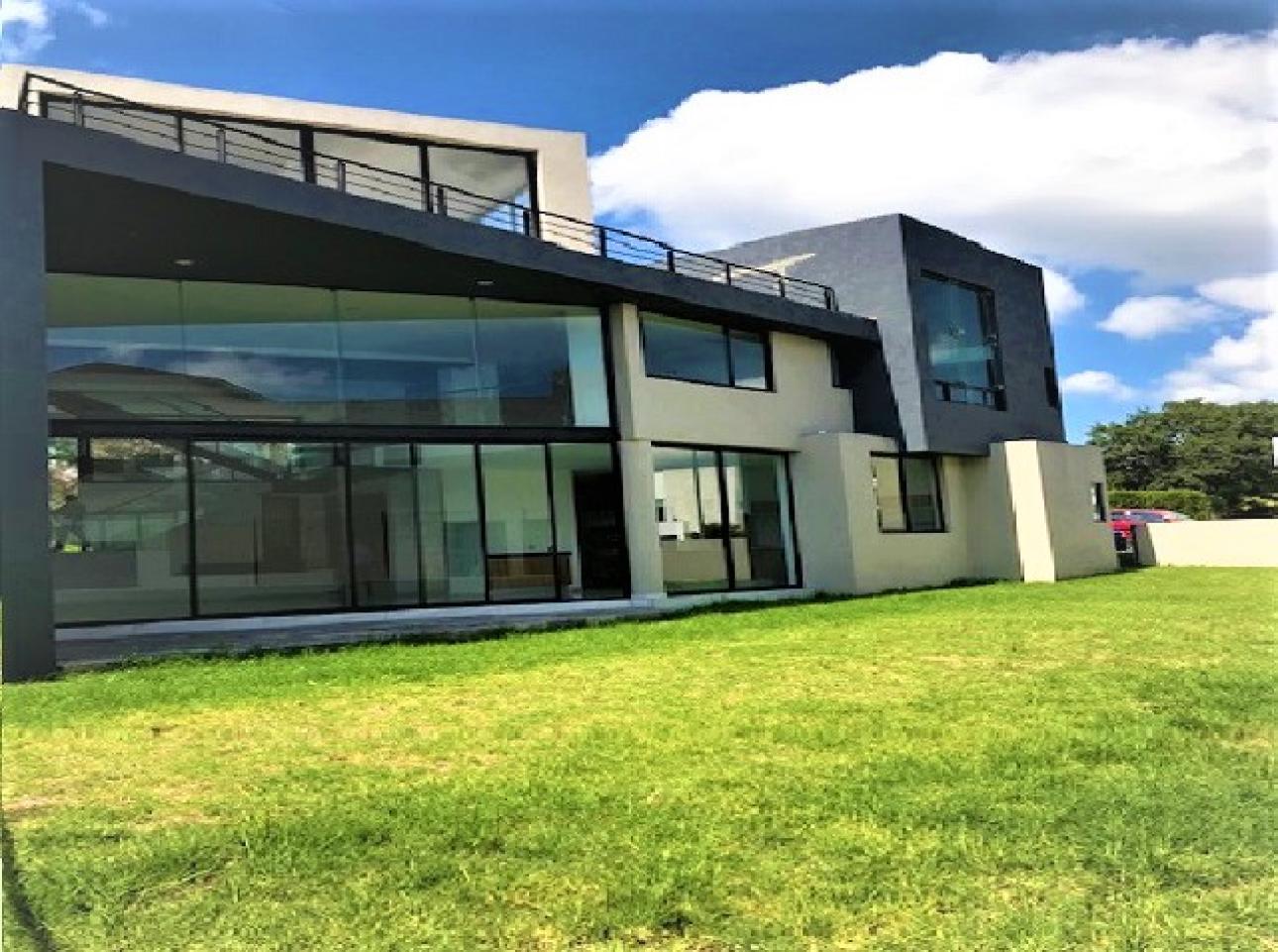 Venta de Casa en Fraccionamiento Lomas de Valle Escondido   Atizapán de Zaragoza