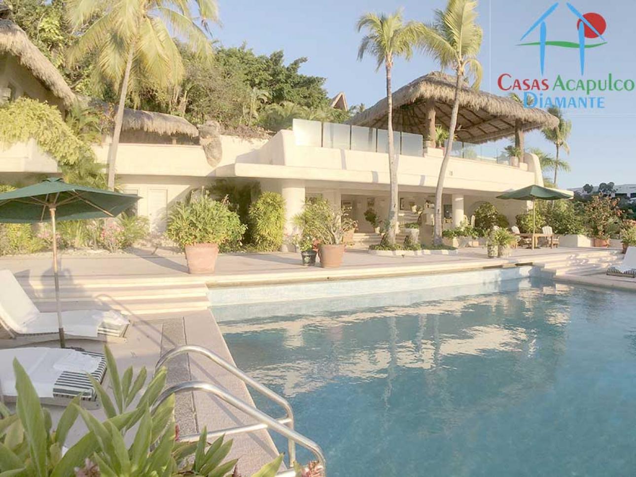 Venta de Casa 4 o mas recamaras en Acapulco Fraccionamiento Las Brisas 1