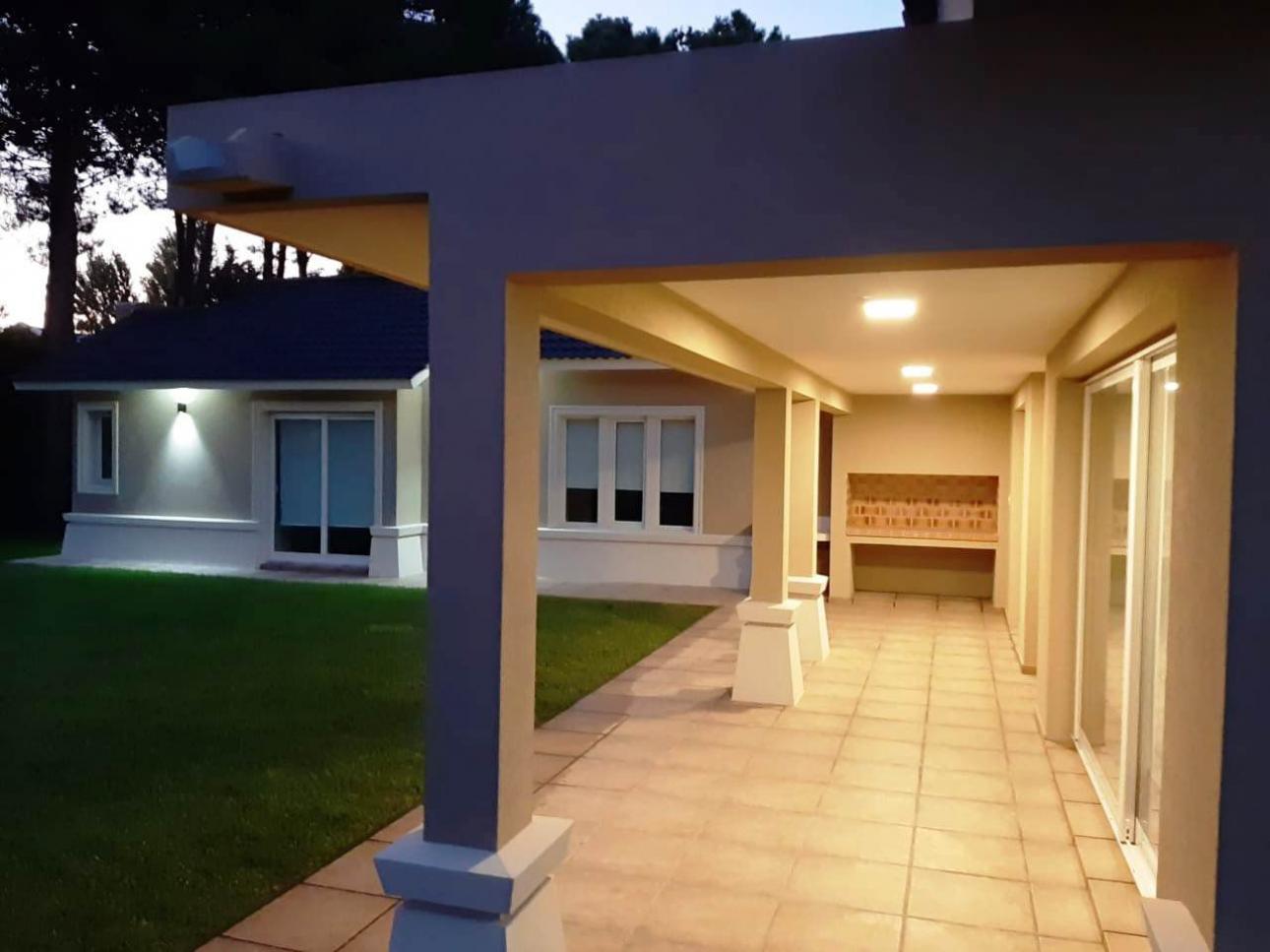Venta de Casa 4 ambientes en Pinamar