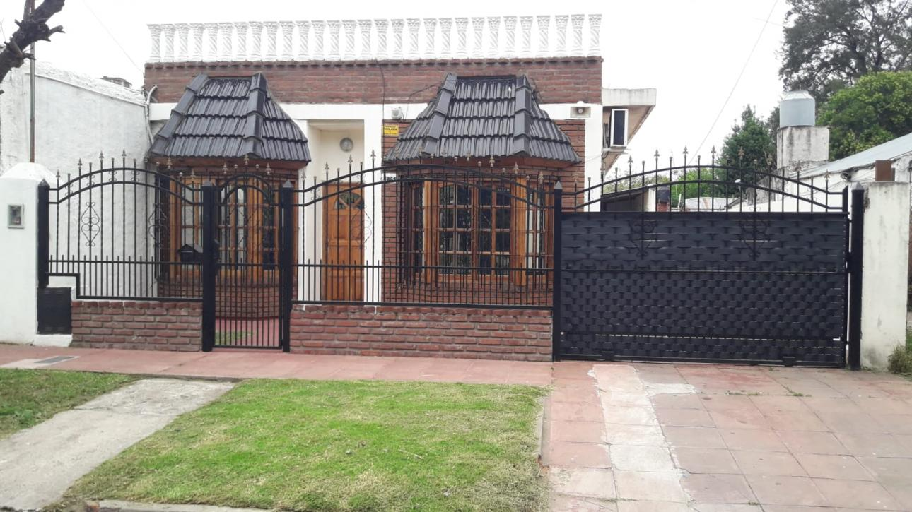 Venta de Chalet 4 ambientes en Ituzaingó Ituzaingó