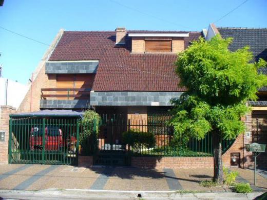 Venta de Chalet 5 o mas ambientes en Tres De Febrero Villa Bosch