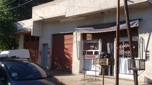 Venta de Loc. con vivienda en Pablo Podesta   Tres De Febrero