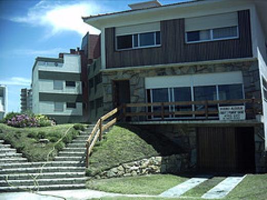 Venta de Casa 5 o mas ambientes en Villa Gesell