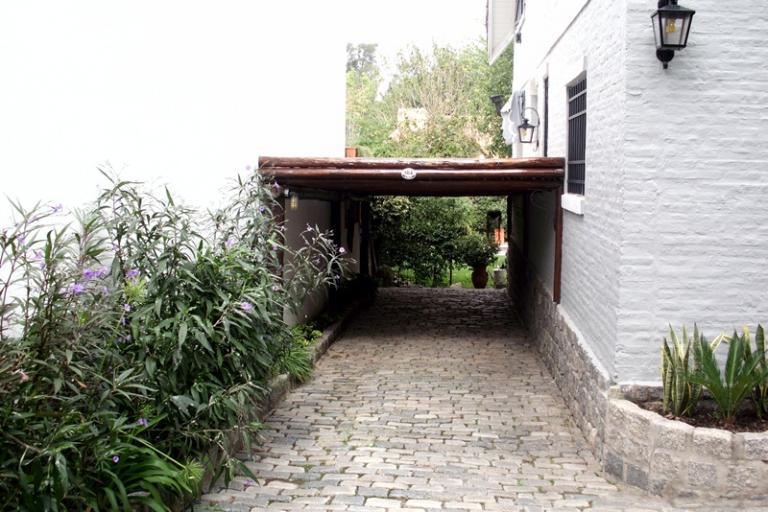 Pacheco zona el casco excelente casa 4 amb con jardin for Alma de jardin pacheco