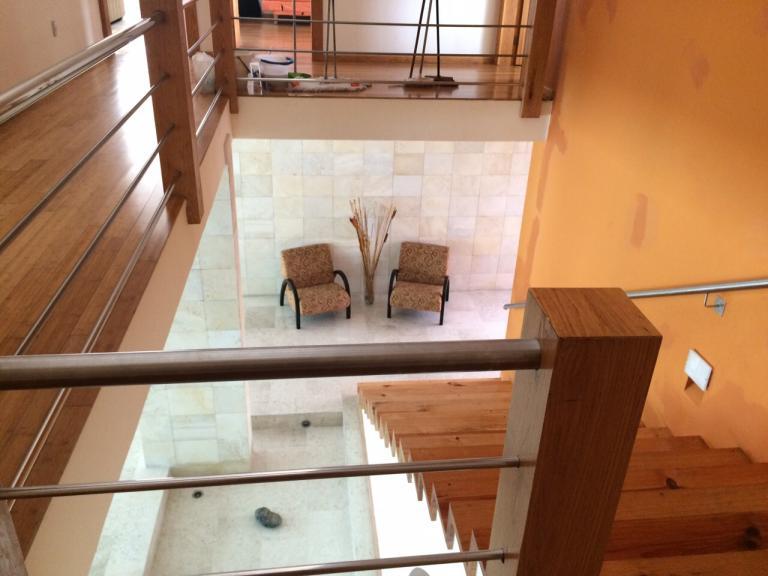 Magnifica residencia con pisos de m rmol y alberca for Pisos de marmol en chile