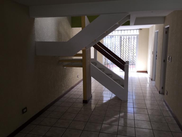 Casas Guatemala-Bienes Raìces,  de Casa en San José Pinula   San José Pinula
