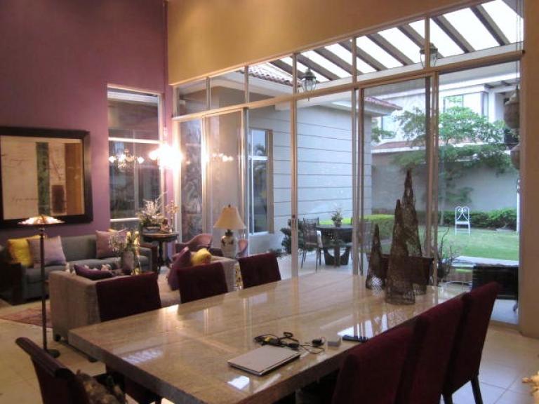 Venta de Casa 4 ambientes en Guayaquil Samborondón