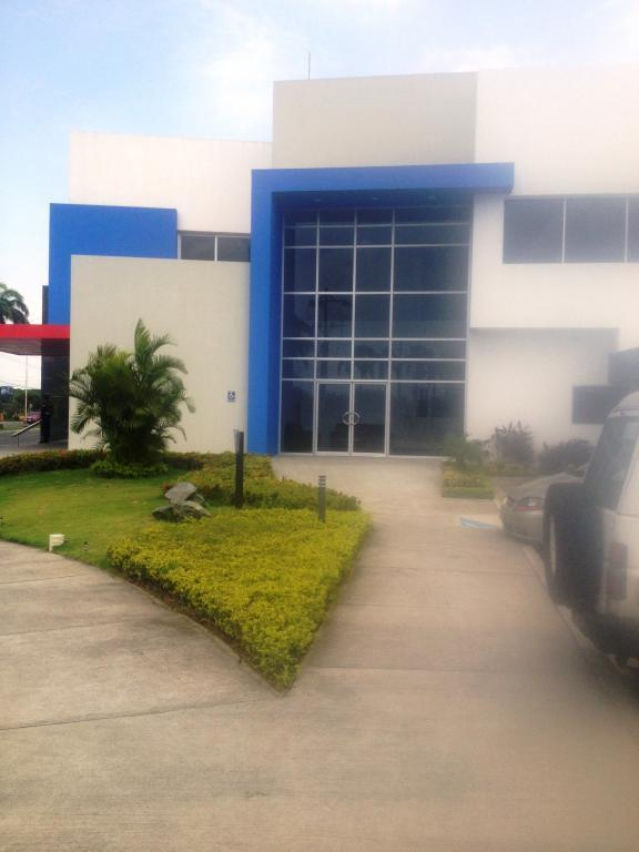 Alquiler de Oficina Más de 100 mts. en Guayaquil Samborondón