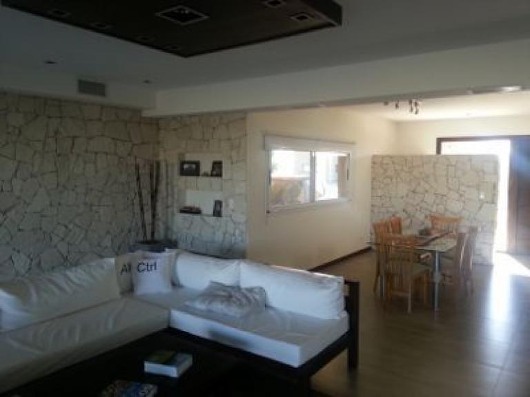 Hermosa casa minimalista en san eliseo 300m2 tuportalonline for Casa minimalista 100m2
