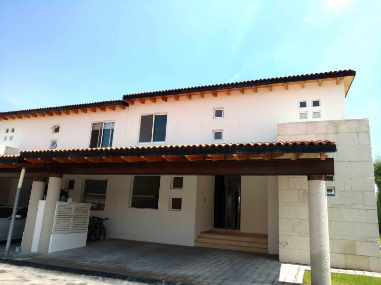 Alquiler de Casa 2 ambientes en Querétaro Hacienda Campanario
