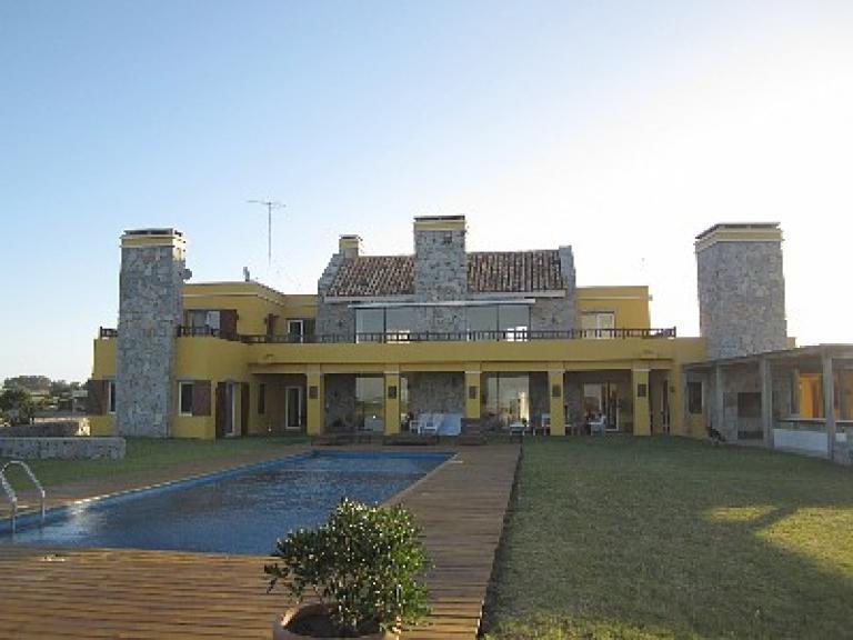 Alquiler Temporal de Campo en   Punta Del Este