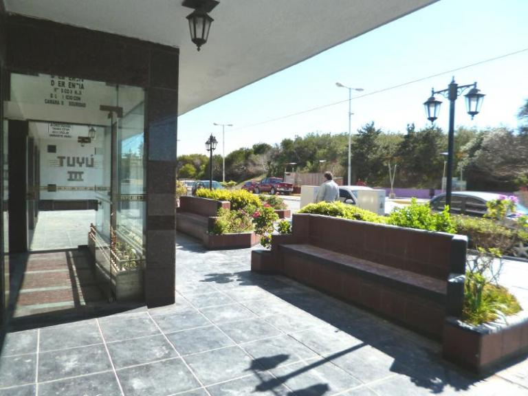 Inmobiliaria Del Tuyu Propiedades,  de Departamento en    San Clemente del Tuyú