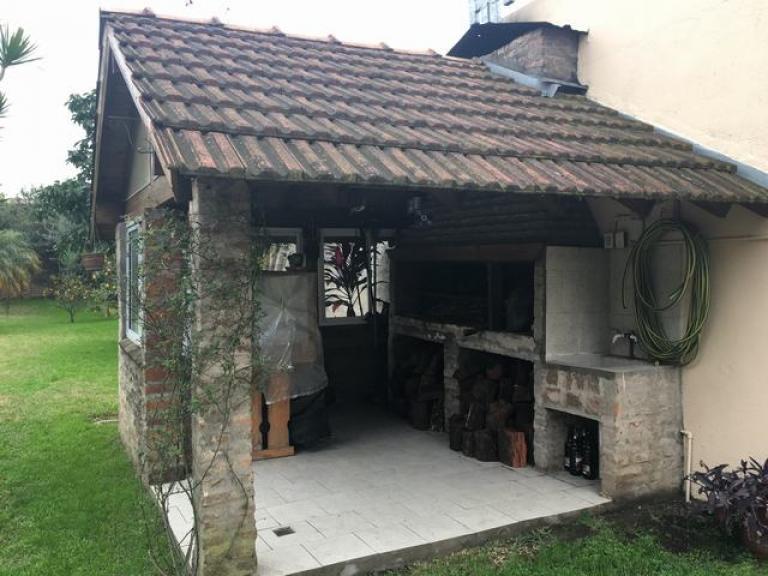Casa 4 amb c jardin y pileta tuportalonline for Jardin hormiguita viajera villa bosch