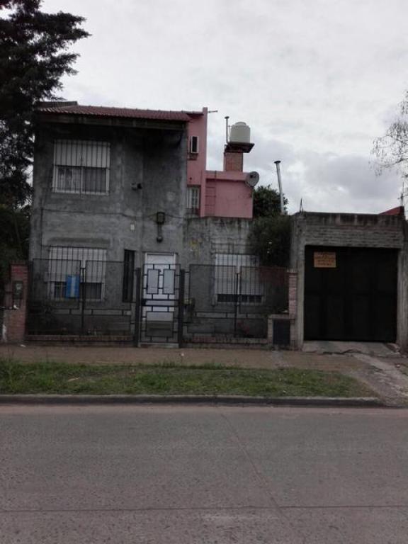 Venta de Casa 3 ambientes en Tres De Febrero Loma Hermosa