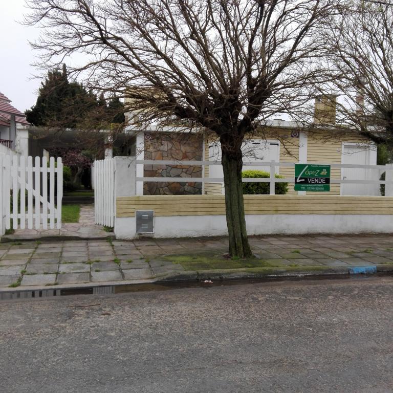 Alquiler Temporal de Chalet en   Santa Teresita