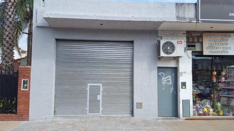 Cabrera Propiedades,  de Local en Villa Bosch   Tres De Febrero