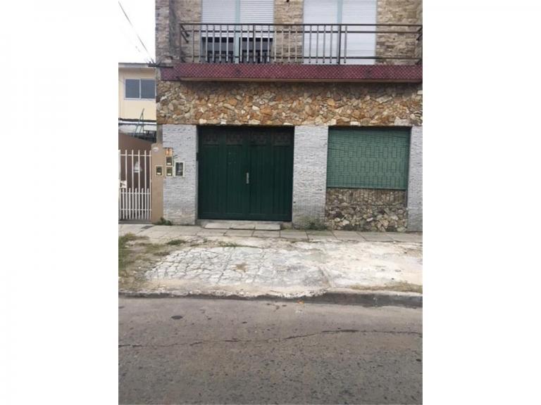 Venta de Galpón Hasta 200 mts. en Tres De Febrero Caseros