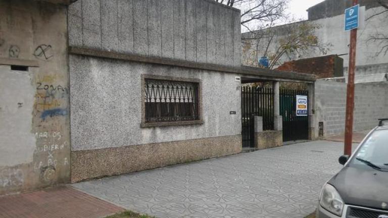 Venta de Loc. con vivienda en Villa Bosch   Tres De Febrero