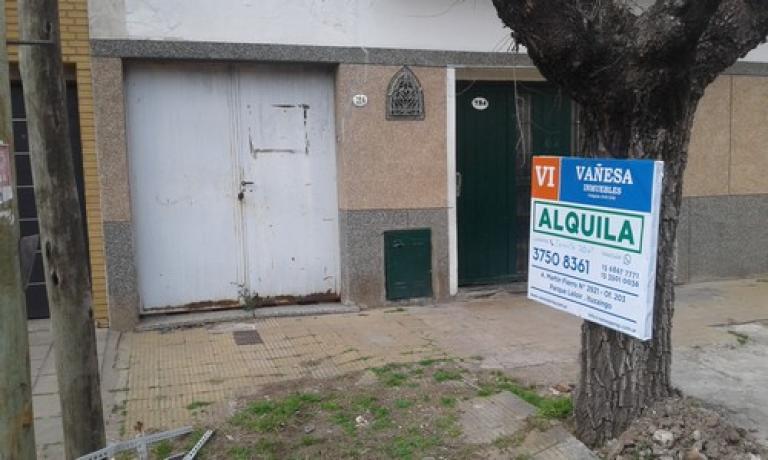 Alquiler de Galpón Hasta 200 mts. en Tres De Febrero Villa Bosch