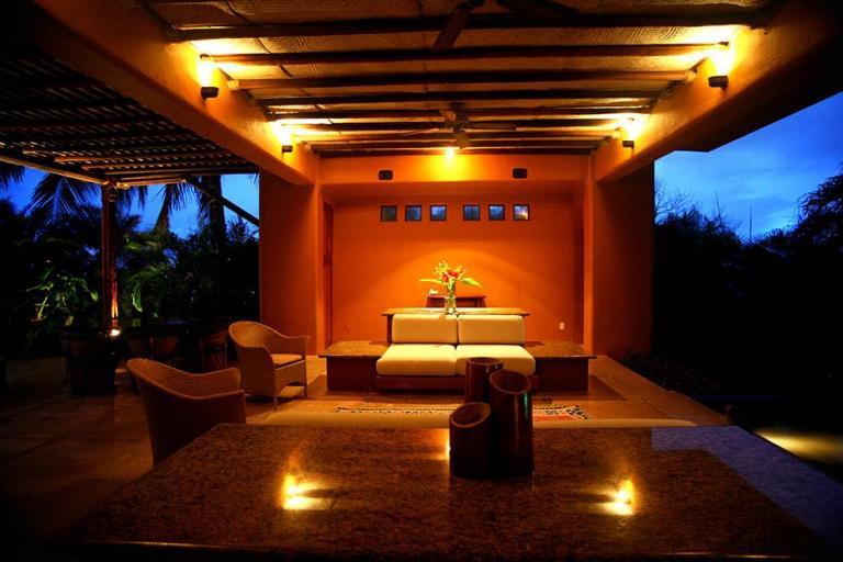 CASA EN HUATULCO REAL STATE,  de Neg. Especiales en Zona Hotelera Tangolunda   Santa María Huatulco
