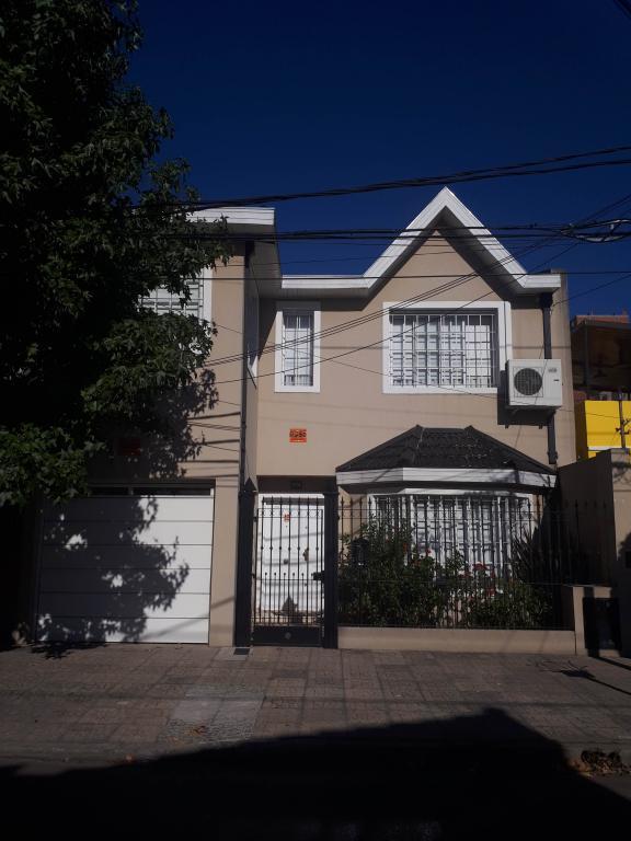 Venta de Casa 5 o mas ambientes en Tres De Febrero Saenz Peña
