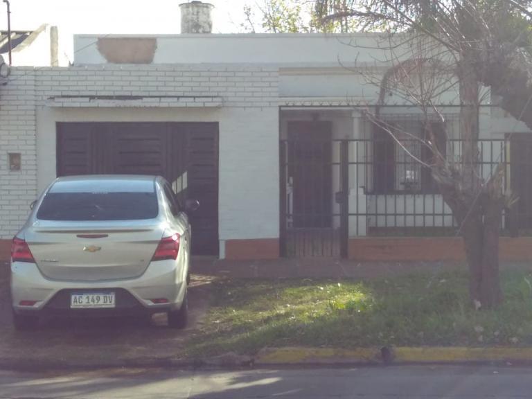 Venta de Casa 2 ambientes en Tres De Febrero Villa Bosch