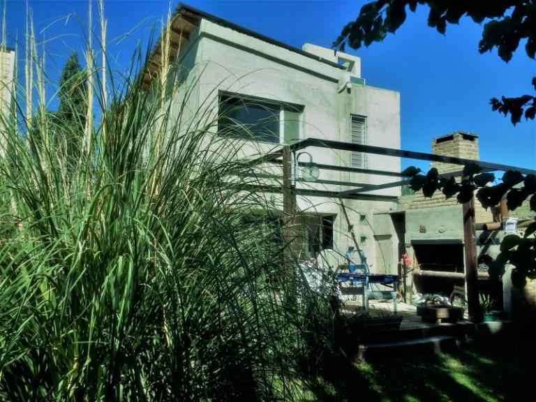 DAHIR Inmobiliaria & Desarrolladora,  de Casa en    Centenario