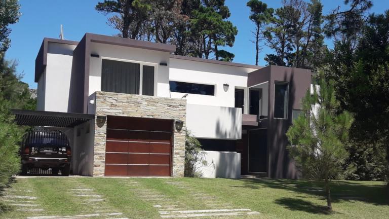 Venta de Casa 5 o mas ambientes en Pinamar