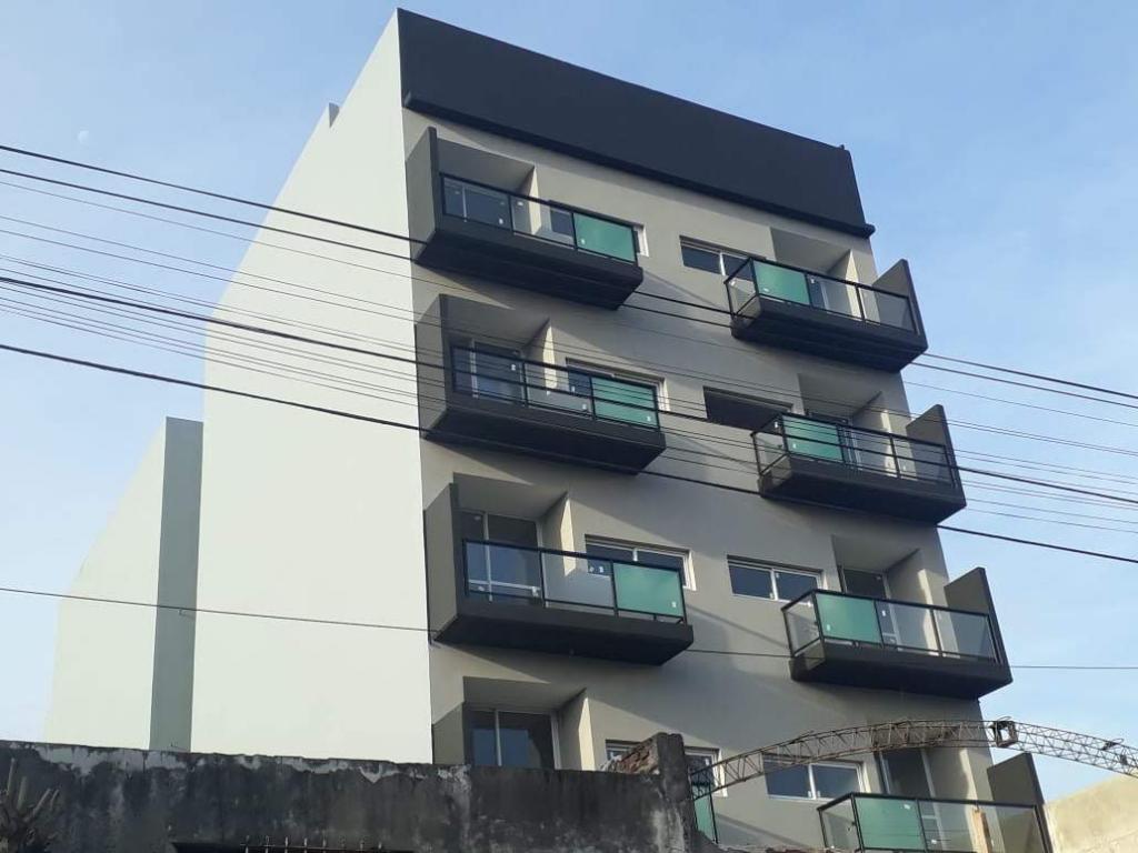 Inmobiliaria Franco,  de Departamento en Saenz Peña   Tres De Febrero