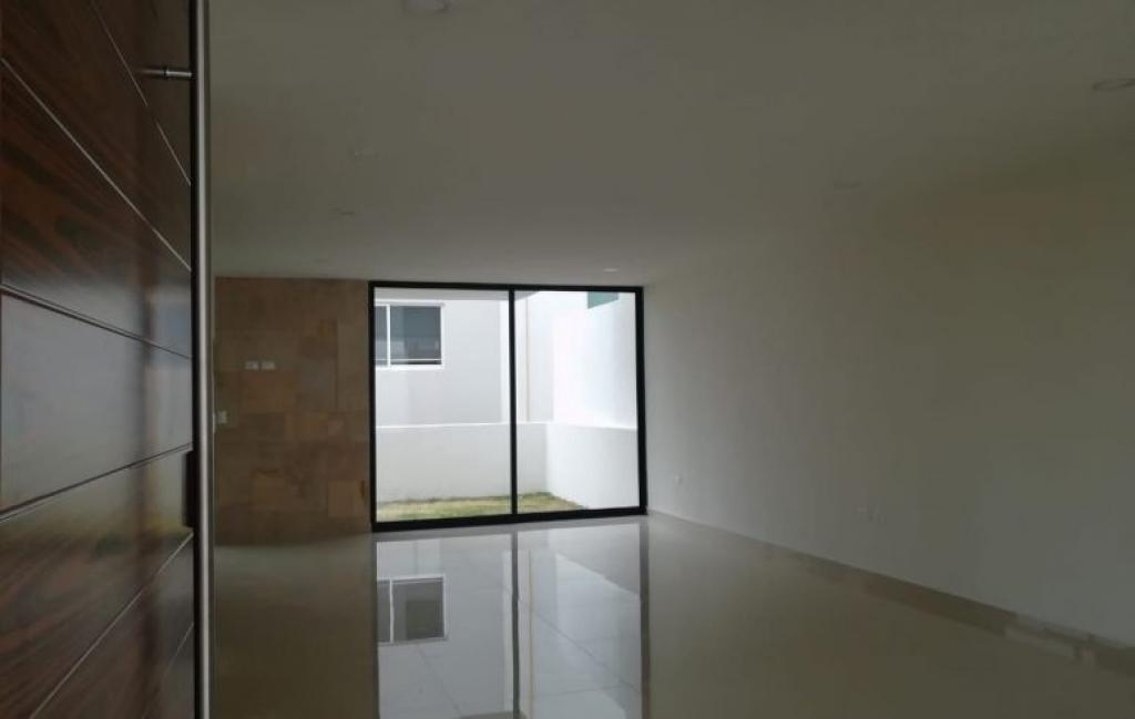 Tu Casa Inmobiliaria ,  de Casa en Fraccionamiento Lomas de Angelópolis   San Andrés Cholula