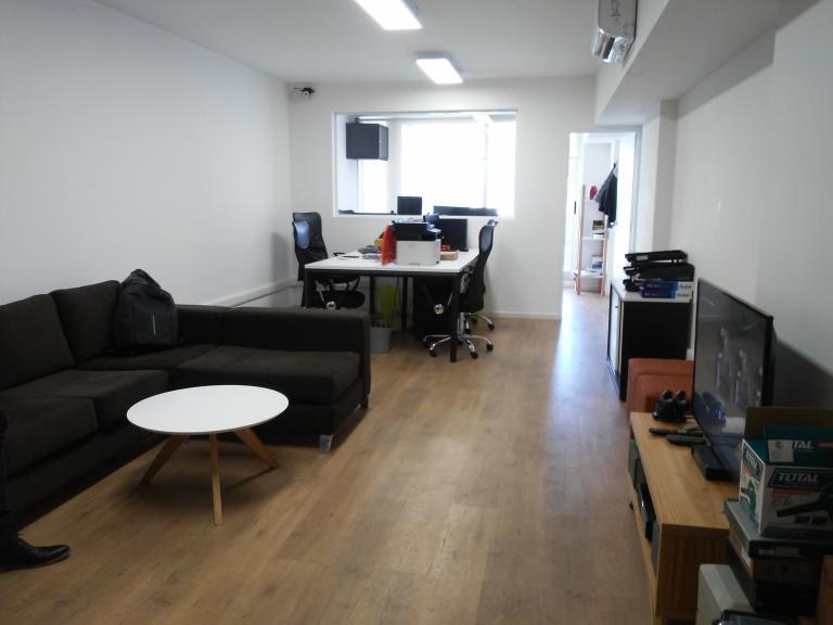 Plus Develop,  de Oficina en    Nuñez