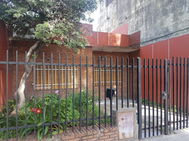 Venta de Casa en   Liniers