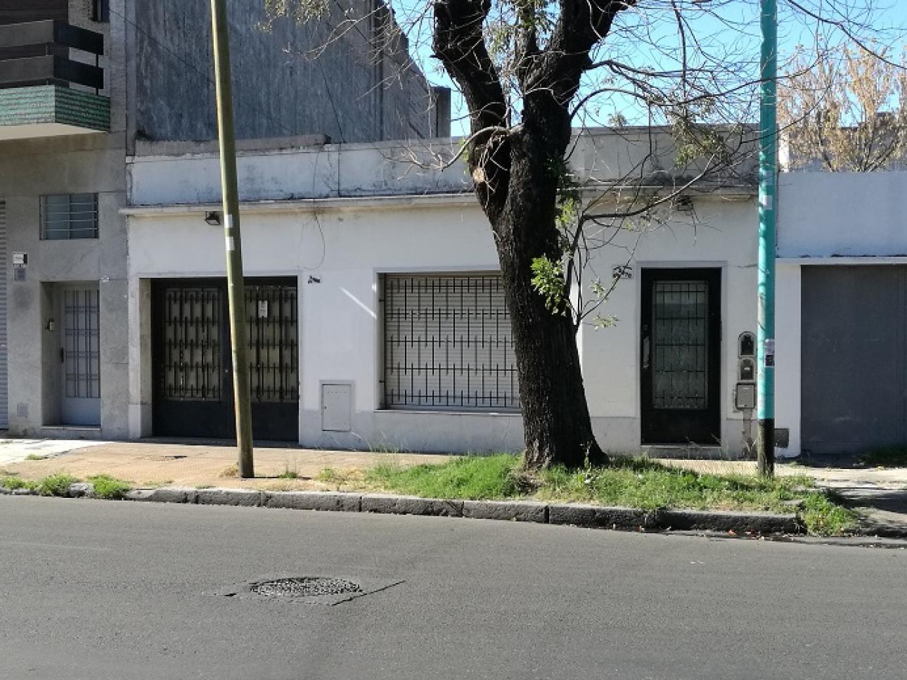 ESPACIO HABITABLE,  de Casa en    Mataderos
