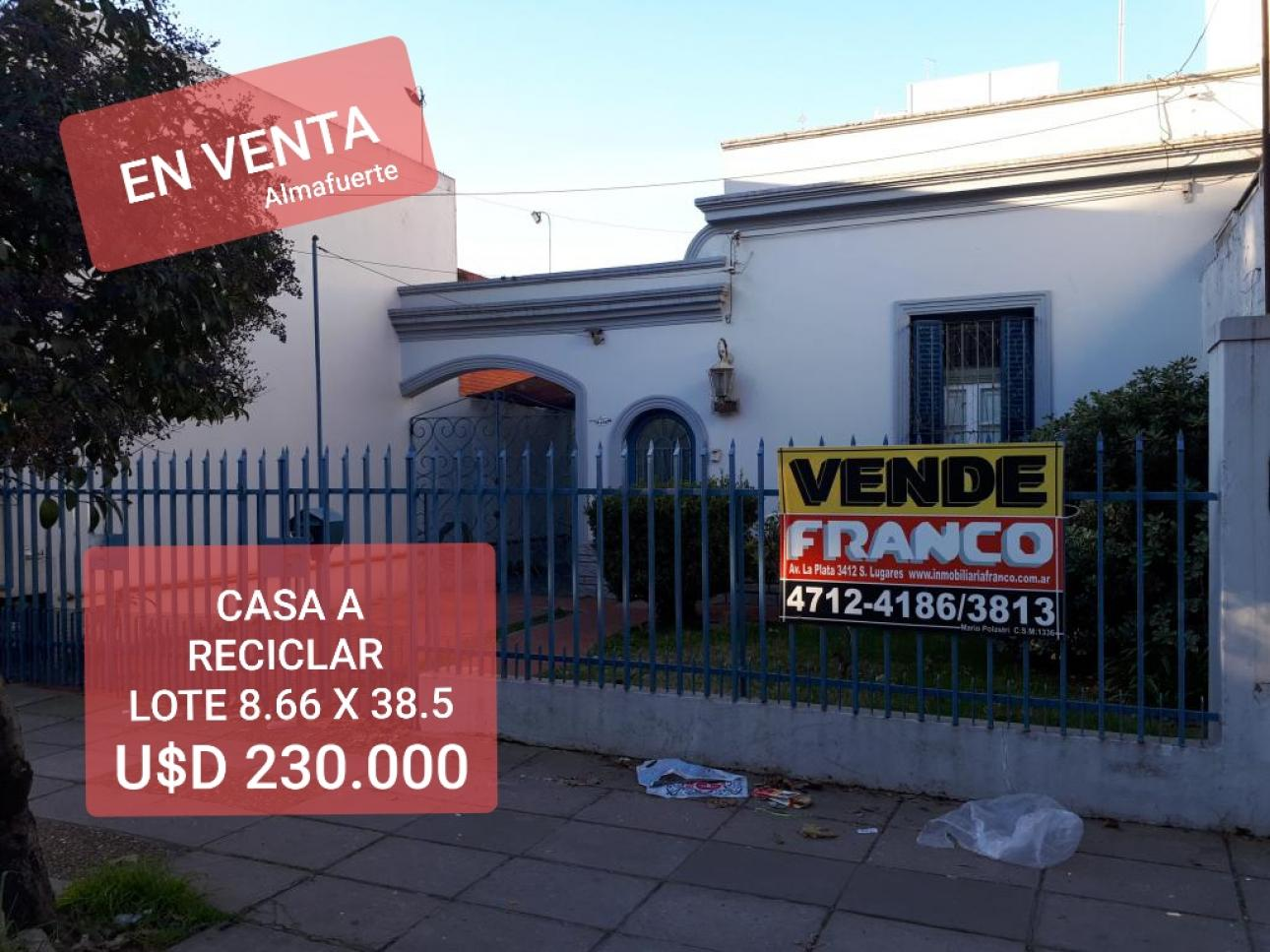 Venta de Casa 4 ambientes en Tres De Febrero Santos Lugares