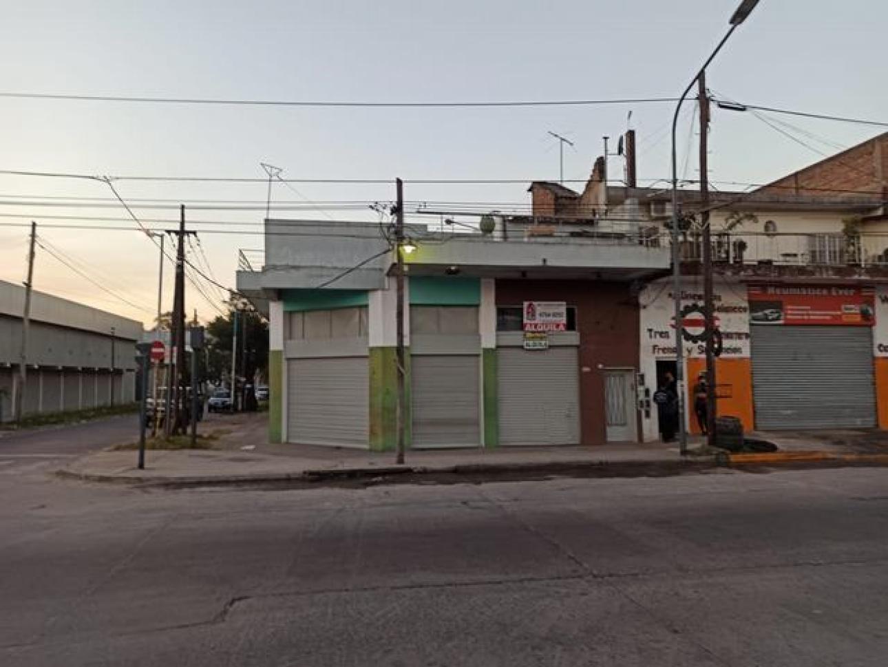 Alquiler de Local Hasta 30 mts. en Tres De Febrero Loma Hermosa
