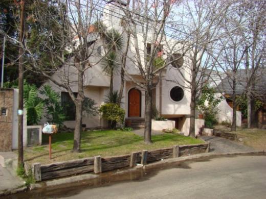Venta de Chalet en Ciudad Jardín   Tres De Febrero
